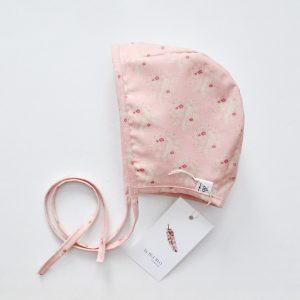 Bonnet_bird_pink_4