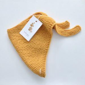 Wool_basic_scarf_ochra_1